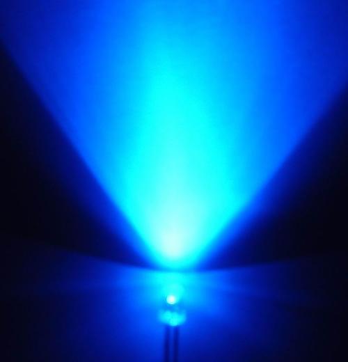 灯具中的蓝光对人体有着意想不到的危害